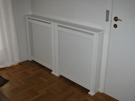 Hjørne radiatorskjuler med Kløver Mønsterplade og Antik ben
