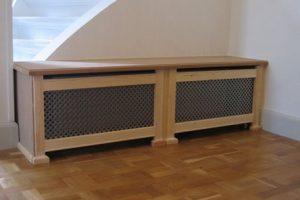 Bænk radiatorskjuler med antikflet mønsterplade og Antik ben