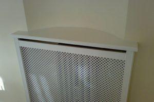 Fritstående radiatorskjule med Stjerne mønsterplade og Antik ben